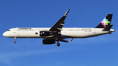 A picture of XAVLZ - Airbus A321231 - Volaris - © Alejandro Aceves