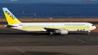 JA8359 - Boeing 767-381 - Air Do (Hokkaido International Airlines)