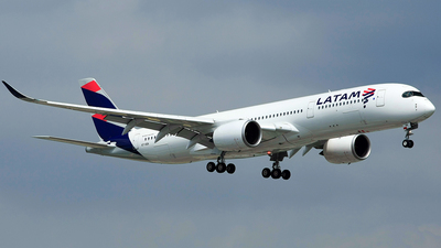 A7-AQA - Airbus A350-941 - Qatar Airways (LATAM Airlines)