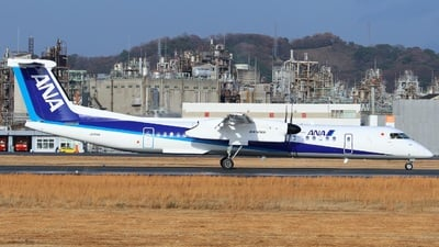 JA856A - Bombardier Dash 8-Q402 - ANA Wings