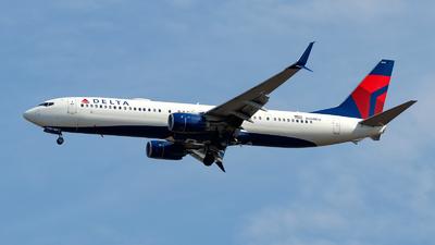 A picture of N888DU - Boeing 737932(ER) - Delta Air Lines - © Oliver Richter