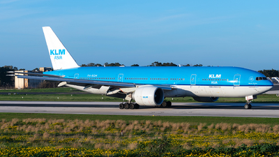 A picture of PHBQM - Boeing 777206(ER) - KLM - © Jonathan Mifsud