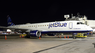 A picture of N337JB - Embraer E190AR - JetBlue Airways - © Agustin Anaya
