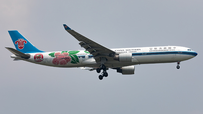 A picture of B8870 - Airbus A330323 - China Southern Airlines - © Zhang wenXi