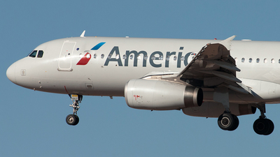 N667AW - Airbus A320-232 - American Airlines