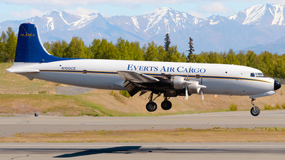 N100CE - Douglas C-118A Liftmaster - Everts Air Cargo