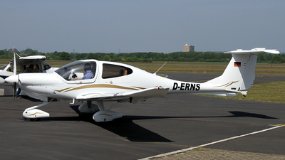D-ERNS - Diamond DA-40 Diamond Star - Private