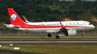 A picture of B8683 - Airbus A320271N - Sichuan Airlines - © F3E1988