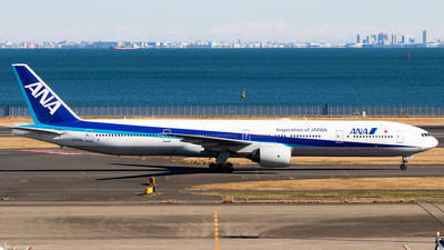 JA755A - Boeing 777-381 - All Nippon Airways (ANA)