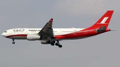 B-6546 - Airbus A330-243 - Shanghai Airlines