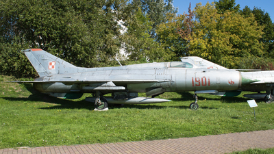 1901 - Mikoyan-Gurevich MiG-21PF Fishbed - Poland - Air Force