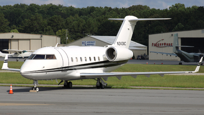 N240MC - Canadair CL-600-1A11 Challenger 600S - Private