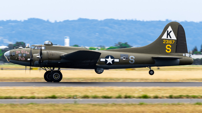 A picture of N3701G - Boeing B17G - [448543A] - © Nick Sheeder