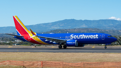 A picture of N8716B - Boeing 737 MAX 8 - Southwest Airlines - © Cristian Quijano