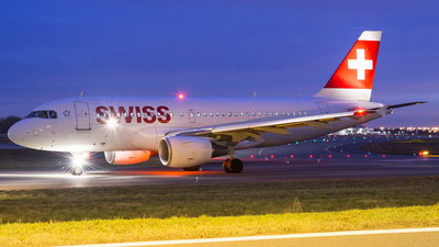HB-IPX - Airbus A319-112 - Swiss