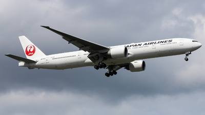 A picture of JA741J - Boeing 777346(ER) - Japan Airlines - © Thanat Trangratanachit
