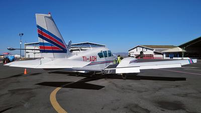 TI-AQH - Piper PA-23-250 Aztec F - Aviones Taxi Aéreo