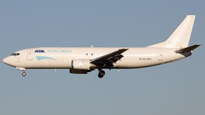 A picture of EISTJ - Boeing 737490(SF) - ASL Airlines Ireland - © Jeremy De Winter (jdw.spotting)