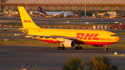 A picture of DAEAD - Airbus A300B4622R(F) - DHL - © Óscar López Herrero
