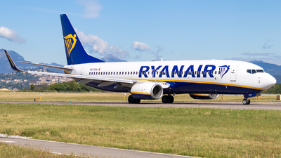 A picture of 9HQAW - Boeing 7378AS - Ryanair - © Simone Vanini