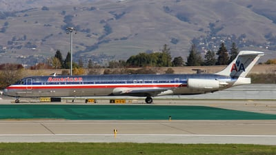 N564AA - McDonnell Douglas MD-83 - American Airlines