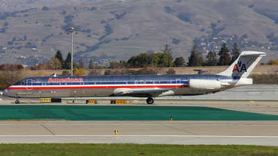 A picture of N564AA - McDonnell Douglas MD83 - [49346] - © Kendrick Dlima