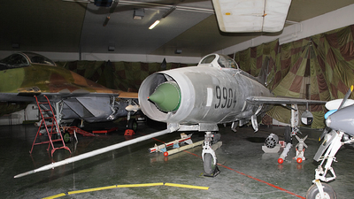 9904 - Mikoyan-Gurevich MiG-21F-13 Fishbed C - Czechoslovakia - Air Force
