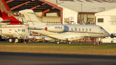 XA-DLA - Bombardier BD-100-1A10 Challenger 300 - Private