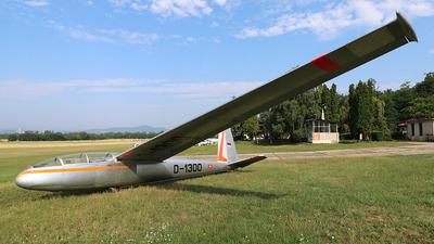 D-1300 - Let L-13 Blanik - Opitz Nándor Repülõklub