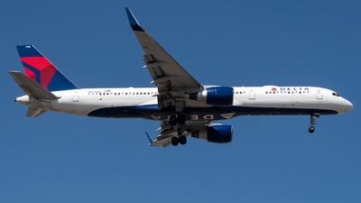N6706Q - Boeing 757-232 - Delta Air Lines