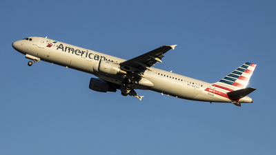 N167US - Airbus A321-211 - American Airlines