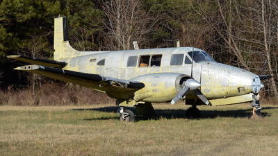 N188 - Beechcraft 65 Queen Air - Private