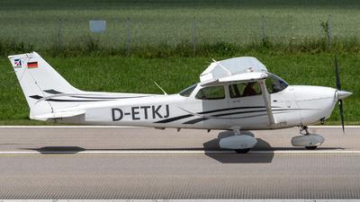 D-ETKJ - Cessna 172S Skyhawk SP - Fliegerverein München