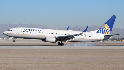 N66825 - Boeing 737-924ER - United Airlines