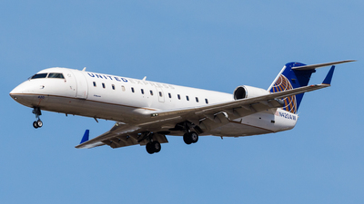 N420AW - Bombardier CRJ-200ER - United Express (Air Wisconsin)