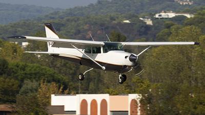 A picture of FGKBL - Cessna 172RG Cutlass RG - [172RG0609] - © murmeldeier