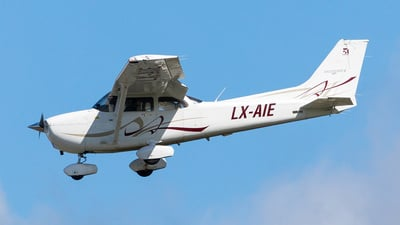 LX-AIE - Cessna 172S Skyhawk SP - Private