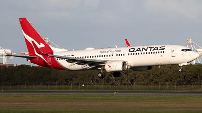 VH-VXE - Boeing 737-838 - Qantas