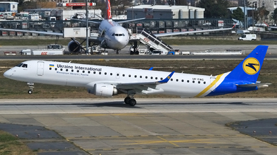 UR-EMG - Embraer 190-200LR - Ukraine International Airlines