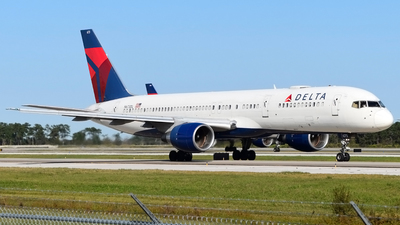 A picture of N673DL - Boeing 757232 - Delta Air Lines - © Doug Marsh