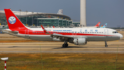 B-8372 - Airbus A320-214 - Sichuan Airlines