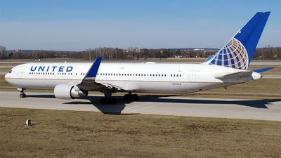 A picture of N641UA - Boeing 767322(ER) - United Airlines - © Hugo Schwarzer