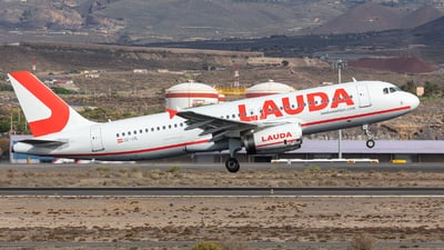 OE-IHL - Airbus A320-232 - LaudaMotion