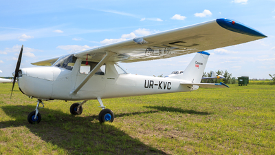 UR-KVC - Reims-Cessna F150J - Private