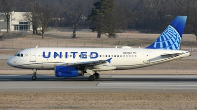 A picture of N879UA - Airbus A319132 - United Airlines - © DJ Reed - OPShots Photo Team