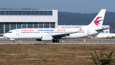 A picture of B6149 - Boeing 73789P - China Eastern Airlines - © Lazy Clutch