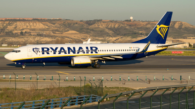 A picture of EIDYO - Boeing 7378AS - Ryanair - © Adrian Painvin