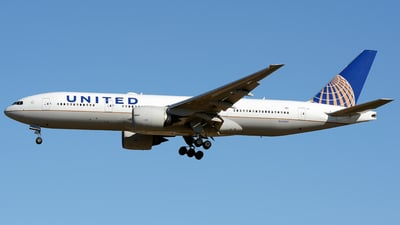 N74007 - Boeing 777-224(ER) - United Airlines
