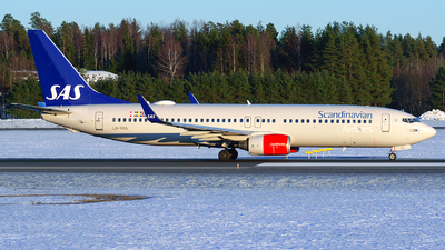 A picture of LNRRG - Boeing 73785P - SAS - © Laszlo Fekete