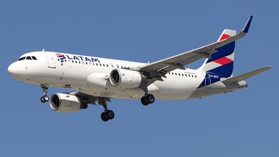 A picture of CCBFF - Airbus A320214 - LATAM Airlines - © Fabricio Lucio